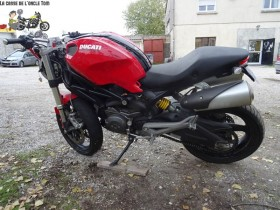 DUCATI M696 de 2010 2600,00€