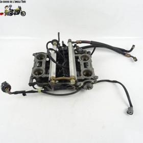 Rampe d'injection Honda 800...