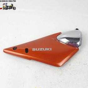 Cache latéral droit Suzuki...